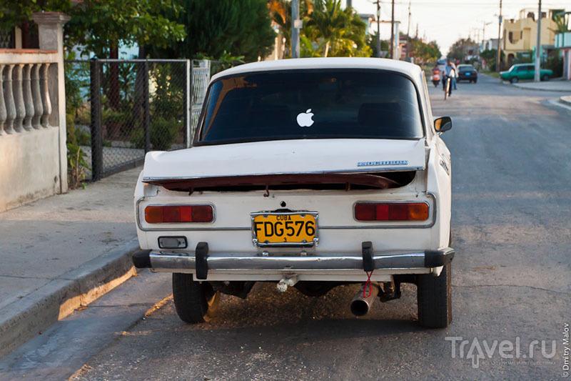 Автомобиль в Сьенфуэгосе, Куба / Фото с Кубы
