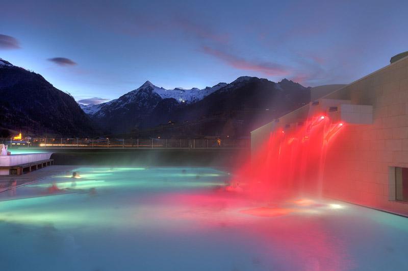 Открытый бассейн в Tauern Spa / Фото из Австрии