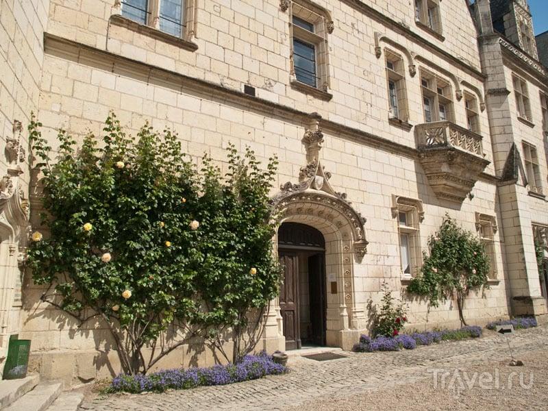Вход в замок Юссе / Фото из Франции
