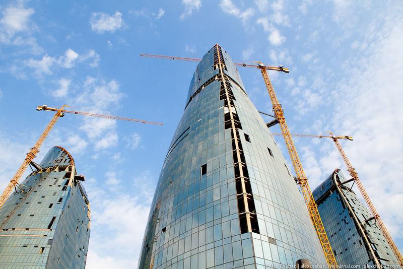 Строительство башен Flame Towers в Баку / Фото из Азербайджана