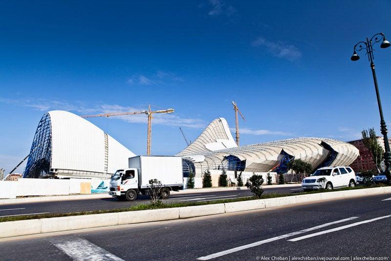 Культурный центр Гейдара Алиева в Баку / Фото из Азербайджана