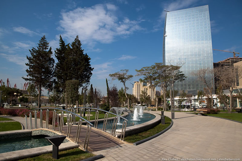 Парк в Баку / Фото из Азербайджана