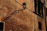 Стена и фонарь / Италия