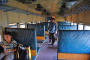 В вагоне поезда / Бангладеш
