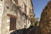 Улица за стеной / Франция