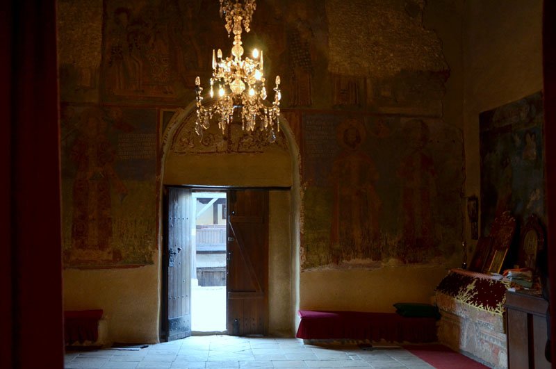 В храме монастыря Любостыня у города Трстеник, Сербия / Фото из Сербии