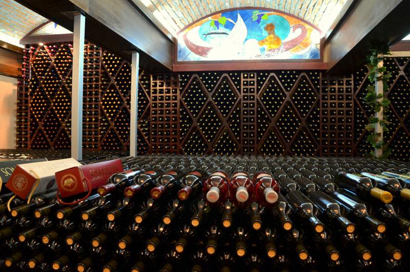 Продукция винодельни в городе Трстеник, Сербия / Фото из Сербии