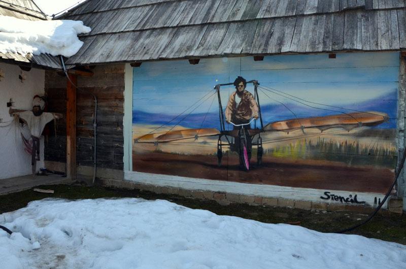 Граффити по мотивам фильма «Аризонская мечта» в Дрвенграде, Сербия / Фото из Сербии