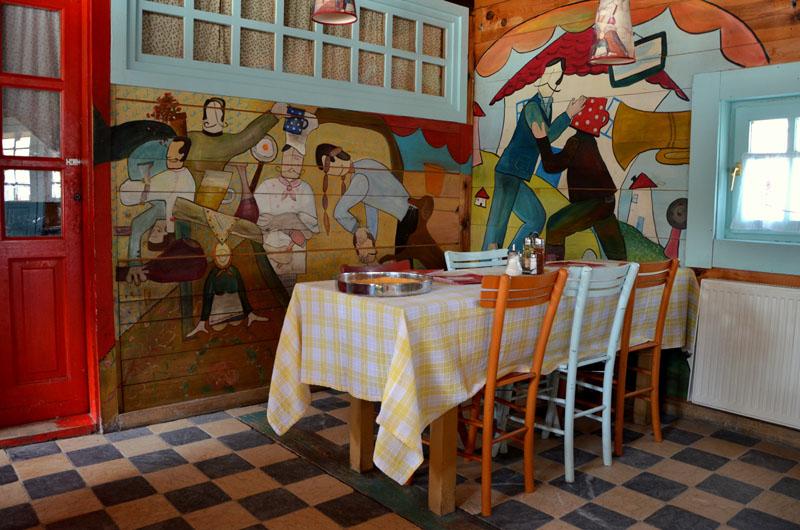 Интерьер ресторана в Дрвенграде, Сербия / Фото из Сербии