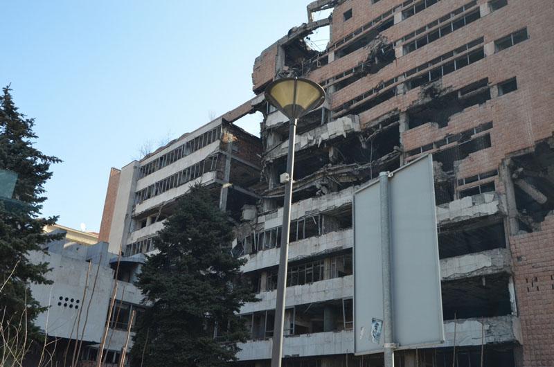 Разрушенные бомбардировками НАТО дома в Белграде, Сербия / Фото из Сербии