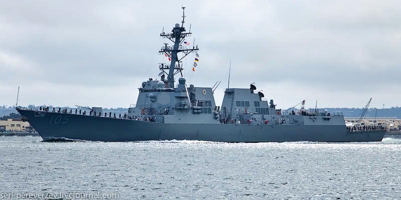 Корабль у побережья Сан-Диего / Фото из США