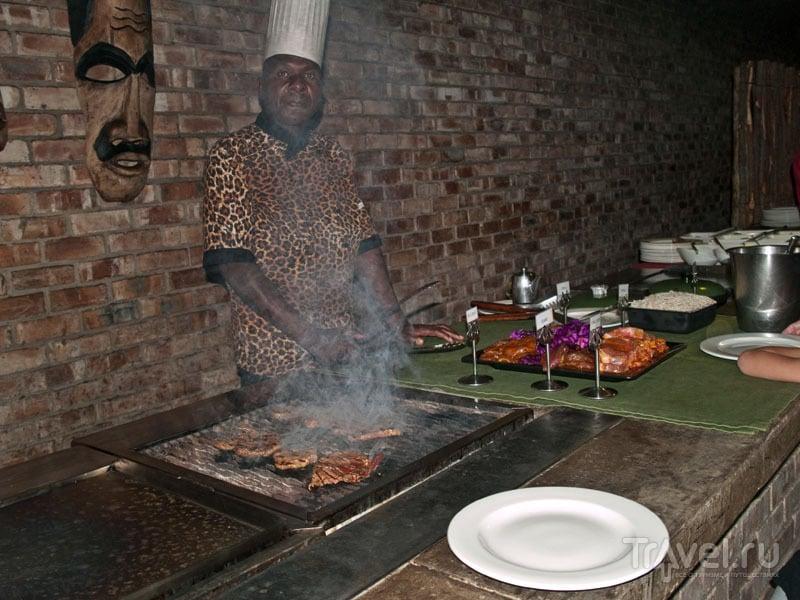 Мясная кухня за ужином, Etosha Village / Фото из Намибии