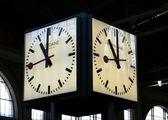 Часы на вокзале / Швейцария