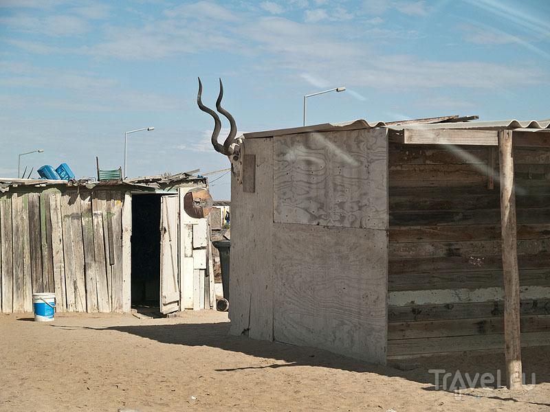 Жители Мондесы украшают дома как умеют / Фото из Намибии