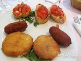 Жареный сыр и брускета / Испания
