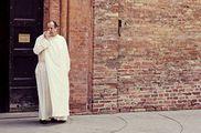 Священник в белом / Италия