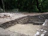 Раскопки в лесу / Албания