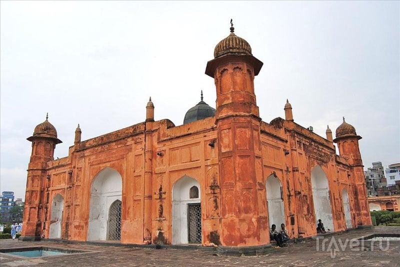Мечеть в крепости Лалбах, Дакка / Фото из Бангладеш