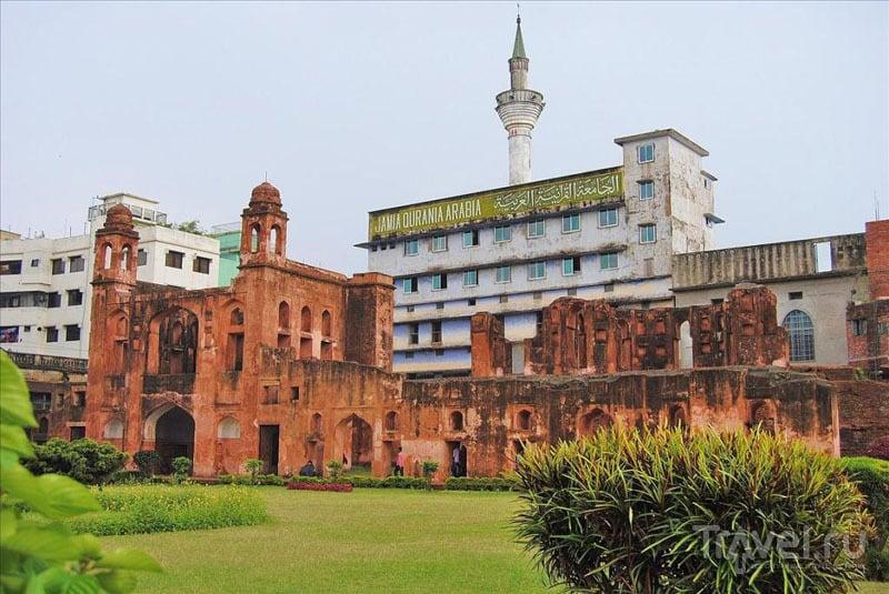 В крепости Лалбах в Дакке / Фото из Бангладеш