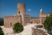 Замок в городе Капдепера / Испания
