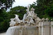 Скульптуры фонтана / Австрия