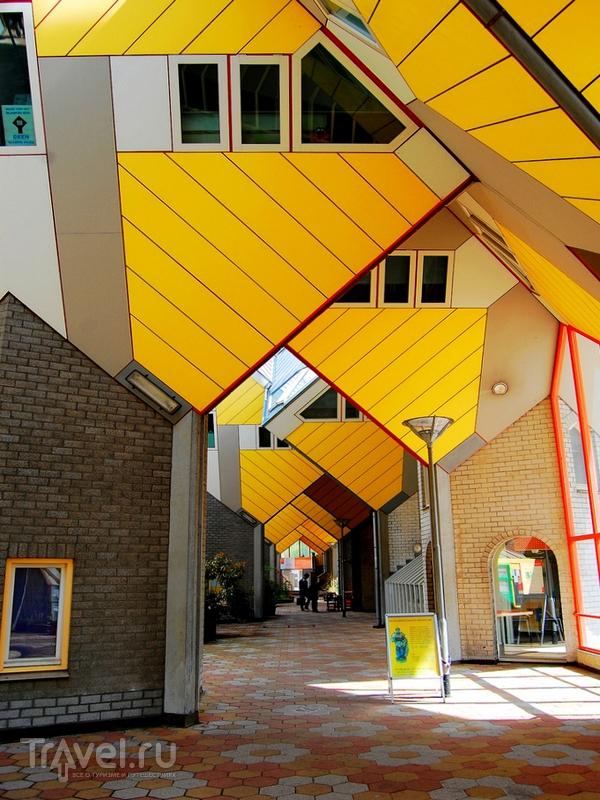 Сочлененные кубические дома в Роттердаме / Нидерланды