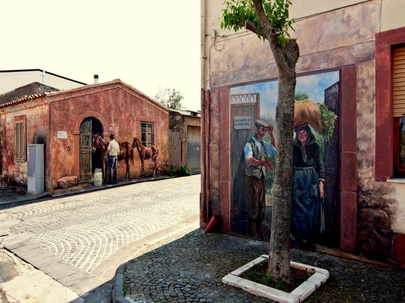 Муралес - настенные рисунки на Сардинии / Италия