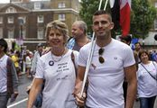 Мать и сын / Великобритания