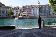 Кормление лебедей / Швейцария