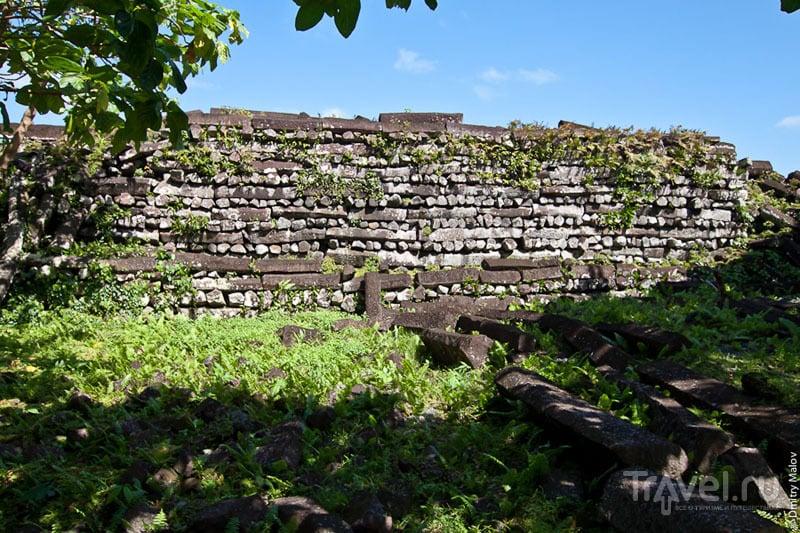 Кладка стен каменного города Нан-Мадол, Микронезия / Фото из Микронезии