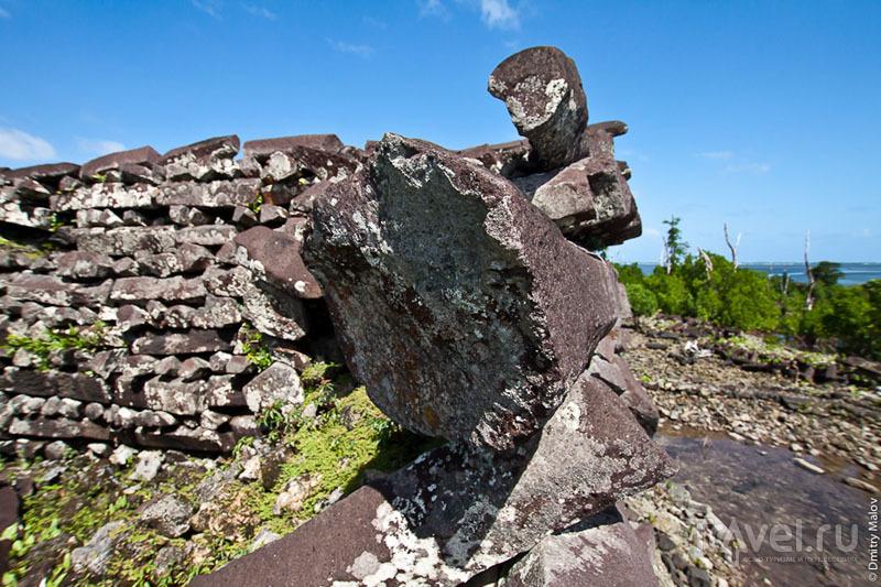 Кладка стен каменного города, Микронезия / Фото из Микронезии