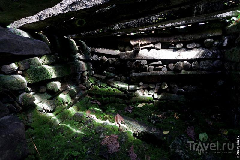 В мавзолее каменного города, Микронезия / Фото из Микронезии
