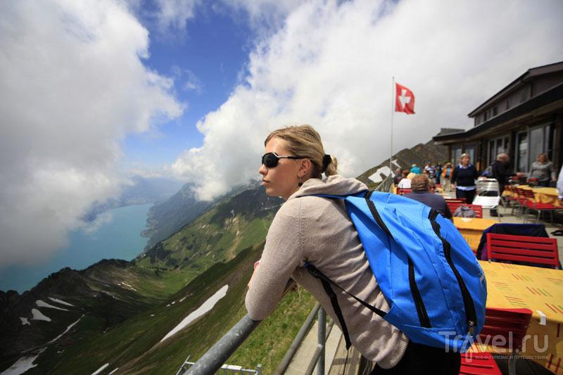 Туристы в горах Швейцарии / Фото из Швейцарии