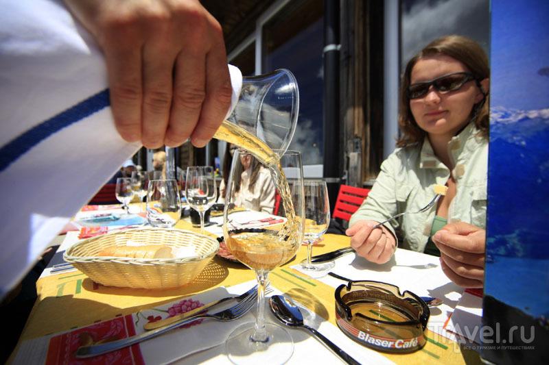 Обед в высокогорном ресторане в Швейцарии / Фото из Швейцарии