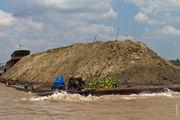 Баржа с песком / Вьетнам