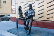 Памятник Высоцкому и Марине Влади / Россия