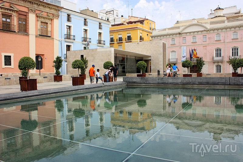 На улице в Валенсии, Испания / Фото из Испании