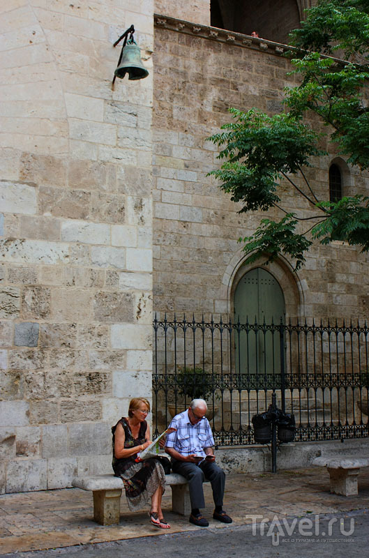 Старинное здание в Валенсии, Испания / Фото из Испании