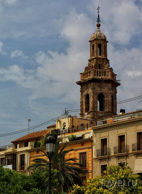 Колокольня в Валенсии, Испания / Фото из Испании