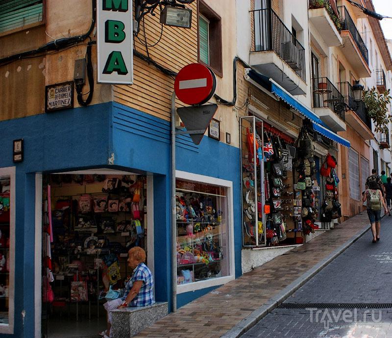 Улица в Бенидорме, Испания / Фото из Испании