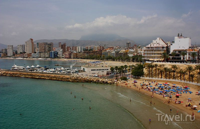 Пляж Playa Poniente в Бенидорме, Испания / Фото из Испании