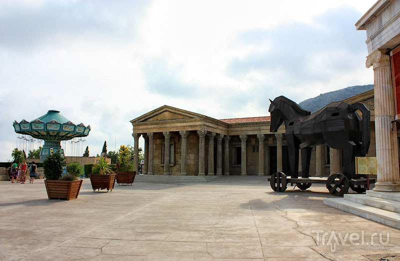 Троянский конь в парке Terra Mítica, Испания / Фото из Испании