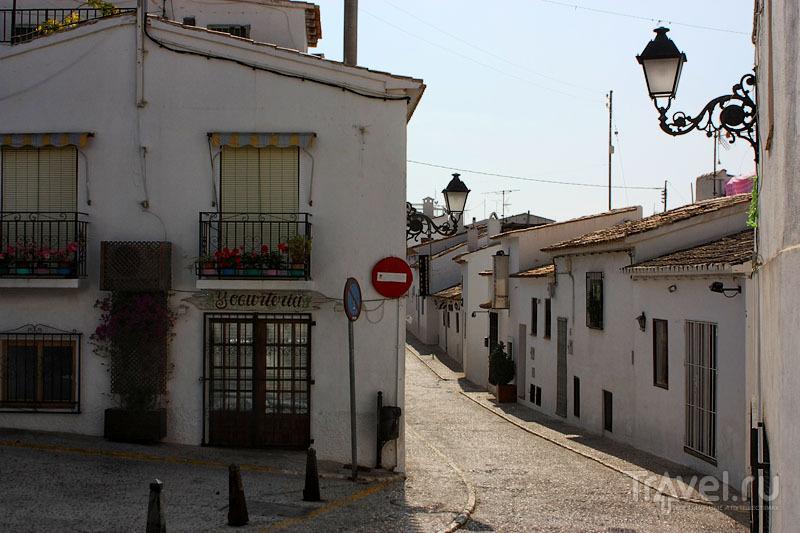Улочка в Альтее, Испания / Фото из Испании