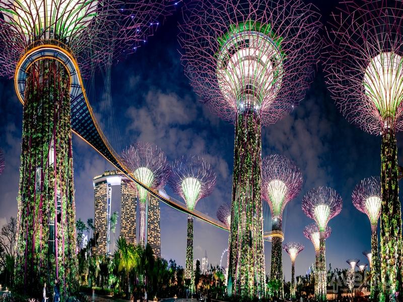 Футуристические пейзажи ночного Сингапура / Сингапур