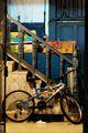 Велосипед во дворе / Гибралтар (Брит.)