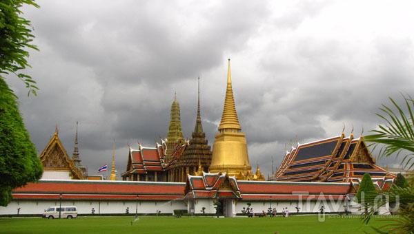 Храмовый комплекс у королевского дворца в Бангкоке, Таиланд / Фото из Таиланда