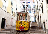 28 трамвай на повороте / Португалия