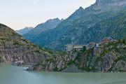 Одна из многочисленных ГЭС / Швейцария