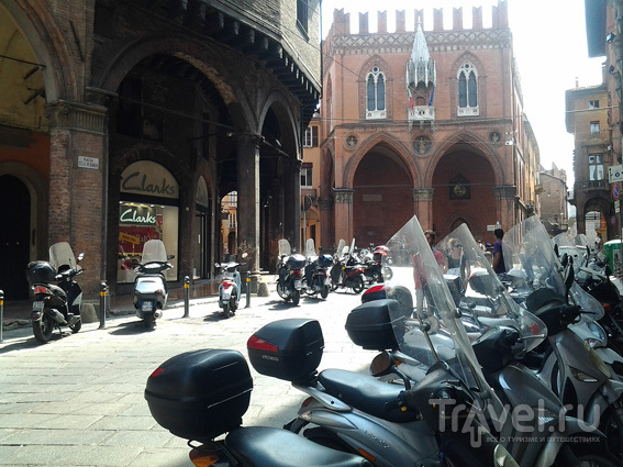 Площади Болоньи / Италия