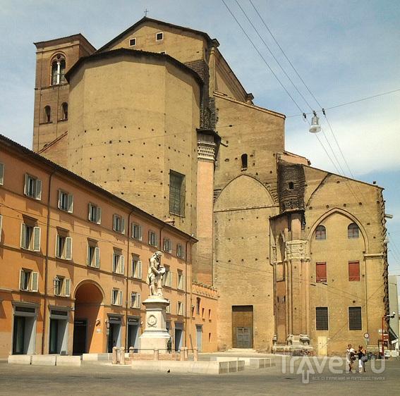 Западный фасад собора Св. Петрония / Италия